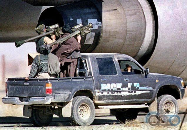 Toyota Hilux военное использование