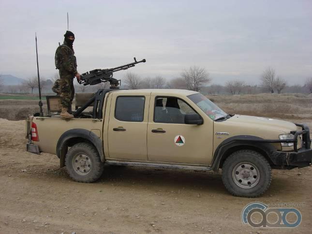 Toyota Hilux военный пикап