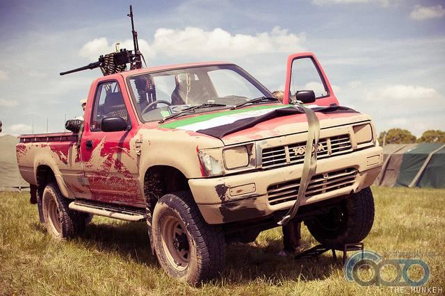 боевой пикап Toyota Hilux