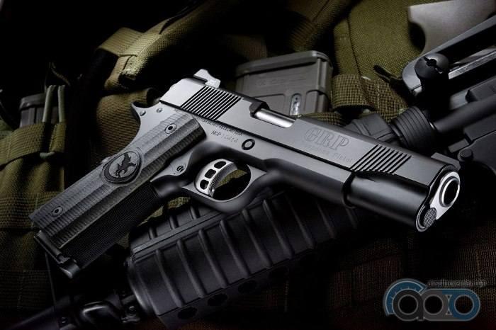 самый реалистичный пистолет для страйкбола  RWA GRP Recon